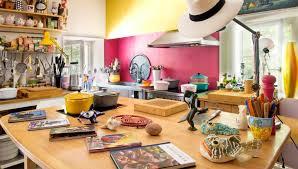 provide cooking workshops
